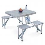 Πτυσσόμενο Τραπέζι – Βαλίτσα Αλουμινίου με Eνσωματωμένα Καθίσματα για Κάμπιγκ